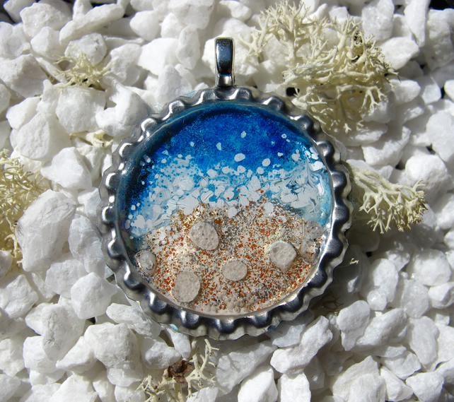 Seaside Scene in a Bottle Cap, Pendant, Necklace, Charm