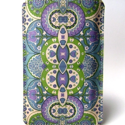 Leather iPhoneiTouchHTC(mozartdesire) case - Paisley