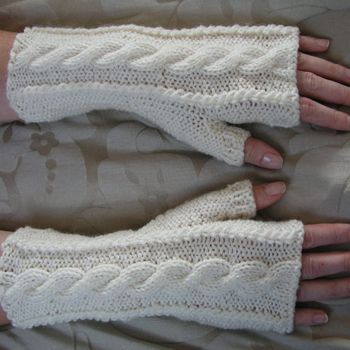 Fingerless wrist warmers