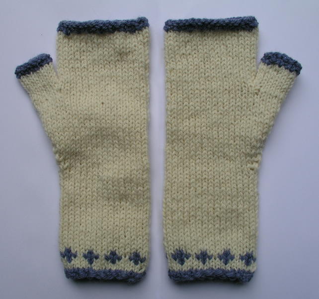 Wrist warmers Fingerless gloves