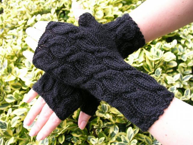Alpaca Wrist Warmers Fingerless Gloves  Black