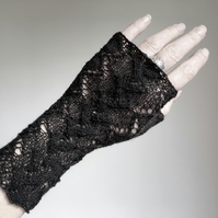 Lace charcoal fingerless gloves