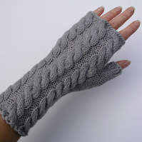 Grey fingerless gloves wrist wamers