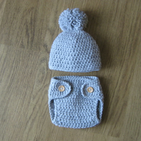 Crochet Baby Beanie Hat with pom pom & matching Nappy Diaper Cover 0-3 months