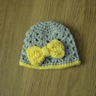 Pretty shell stitch baby BEANIE Crochet HAT & bow, Newborn Photo Prop 0-3 months