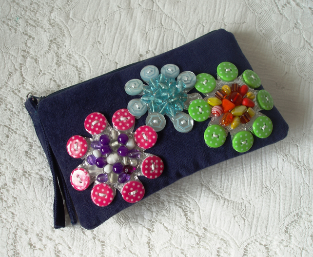 Purse – Buttons and Beads