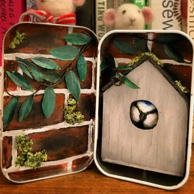 Home sweet home diorama tin