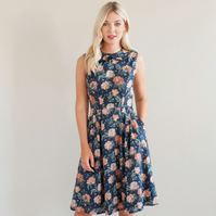 Floral dress with ruffle collar