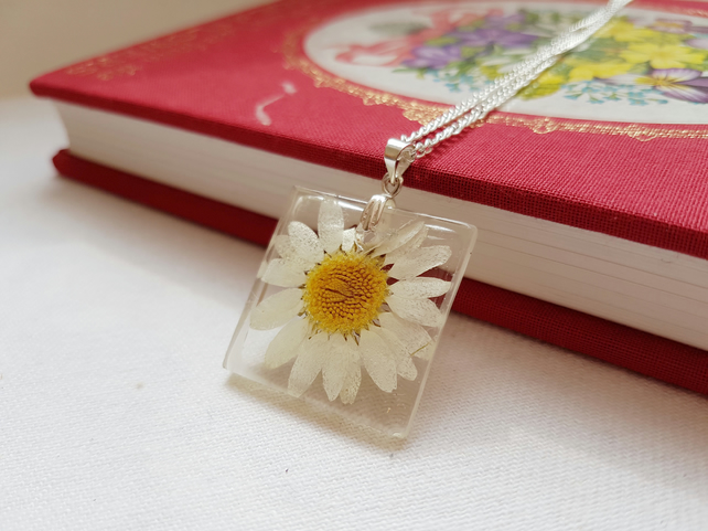 Real Daisy Square Silver Necklace