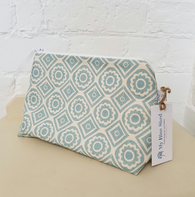 Zipped cosmetic bag in blue 'Rebecca' fabric
