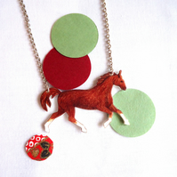 Horse Necklace Chesnut