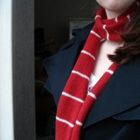 Red & White Stylish Skinny Scarf - Felted Merino Lambswool - Scottish Knitwear