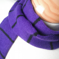 Skinny Scarf in Dark Purple & Black - Felted Lambswool