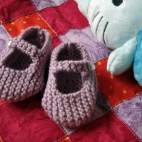 PDF Knitting Pattern for Mary Jane Baby Shoes, 3-6 months - Digital Download