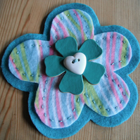Colour Burst Flower Brooch in Turquoise