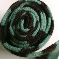 Merino Lambswool Skinny Scarf in Spearmint & Chocolate