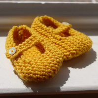 Hand Knitted Baby Shoes - Mary Jane Style - 3-6 months - Yellow Wool