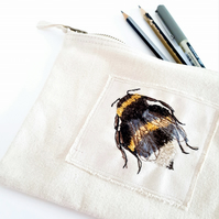eco embroidered bee case