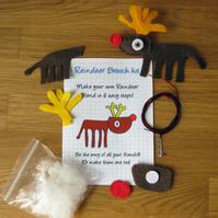 DIY craft kit - felt reindeer brooch