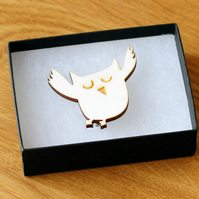 owl brooch, laser cut wood, woodland theme natural jewellery