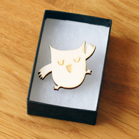 happy owl brooch, laser cut wood, woodland theme natural jewellery
