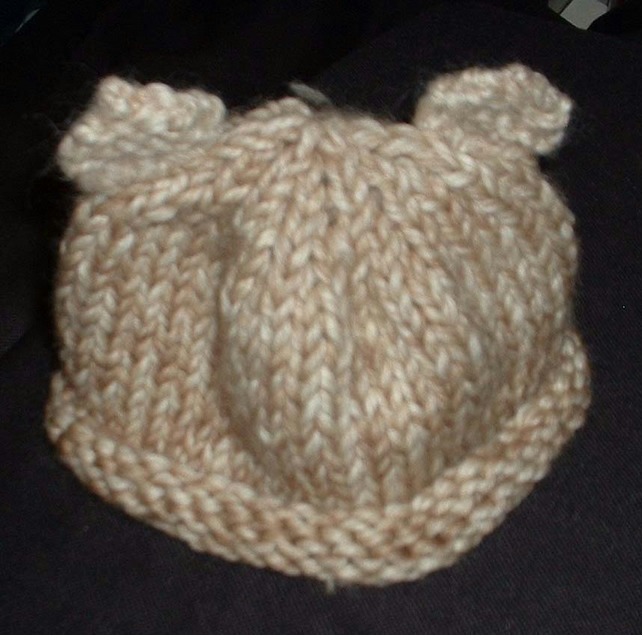 Hand knitted baby hat with bear ears - 0-6 month