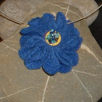 Hand made fleece button & bead flower pendant - blue