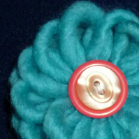 Handmade woollen flower & button 3 in 1 brooch -  aquamarine blue