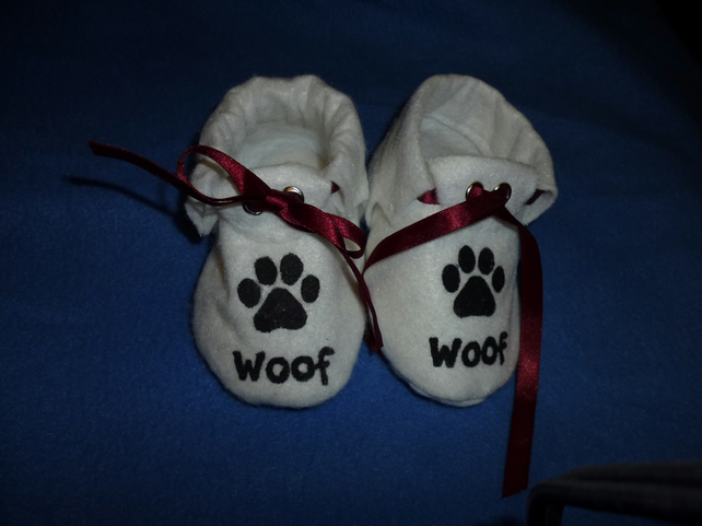hand made woof motif baby shoes - white - 3-6 months