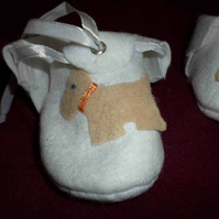 hand made doggy motif baby shoes - white - 3-6 months