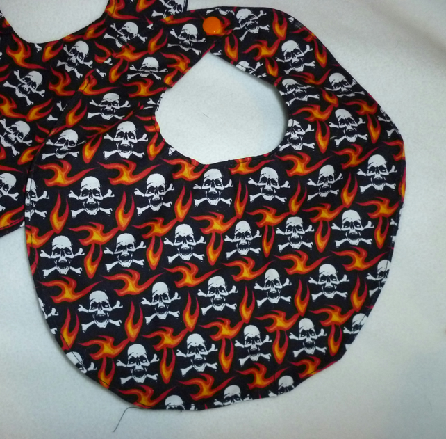 Hand made biker skull & cross bones bib- black