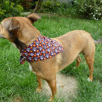 SMALL -MEDIUM Dog bandanas - skull & cross bone design halloween