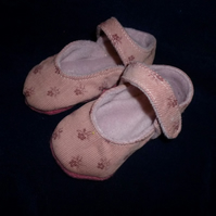 Hand made baby shoes- pink with floral motif -0-6 months