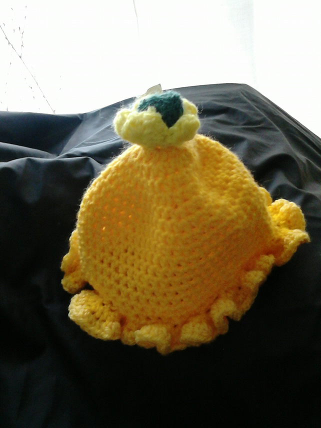Crochet babies yellow ruffle hat 3-9 month