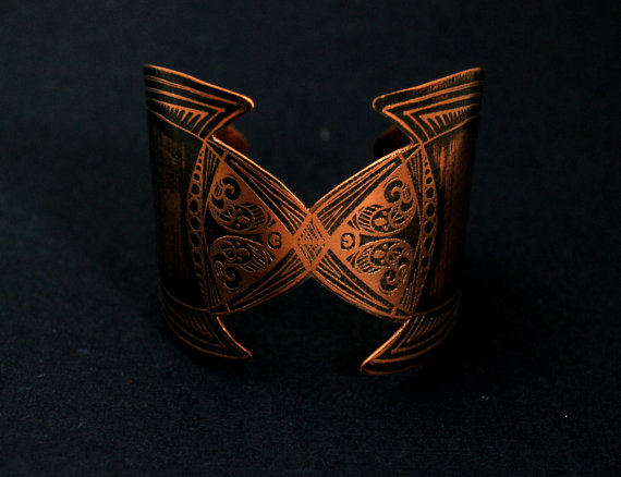 medieval etched cuff - copper elven cuff - armour cuff - futurisic