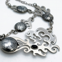 Cometbox Necklace locket