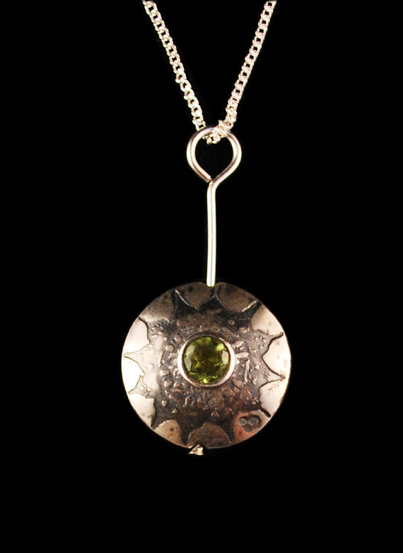 Peridot set Etched sterling silver pendant small