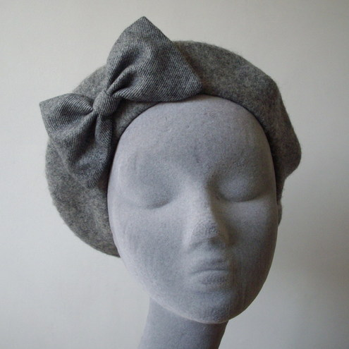 Grey Wool Beret with Light Grey Stripe Bow