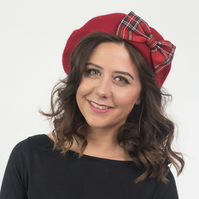 Red Beret with Red Stewart Tartan Bow