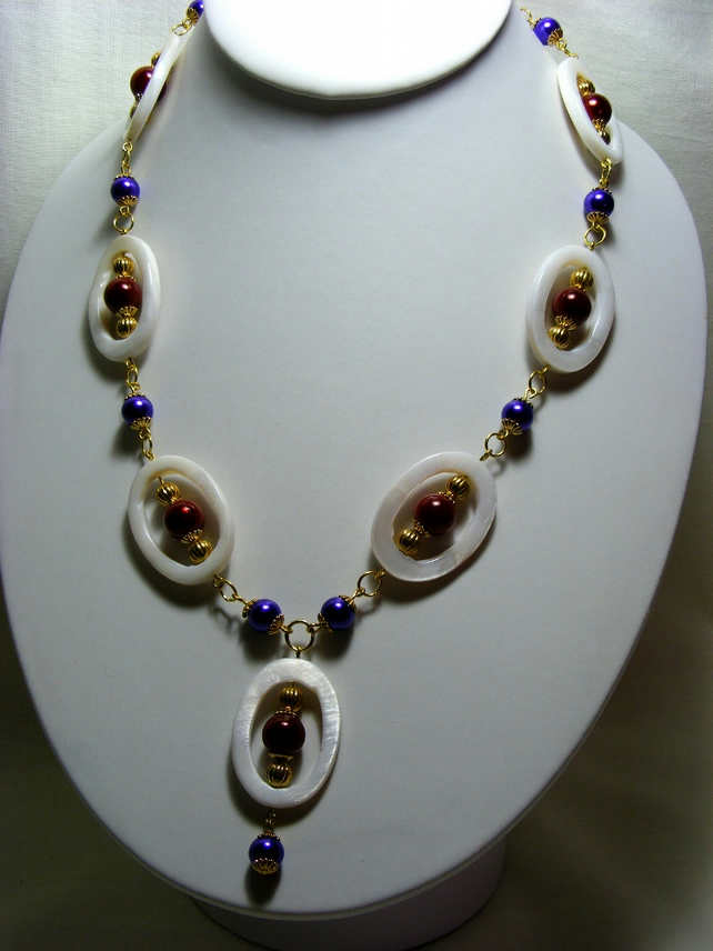 Shell Oval Necklace