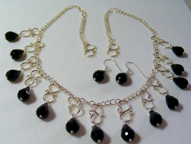 Monochrome Drop Jewellery Set