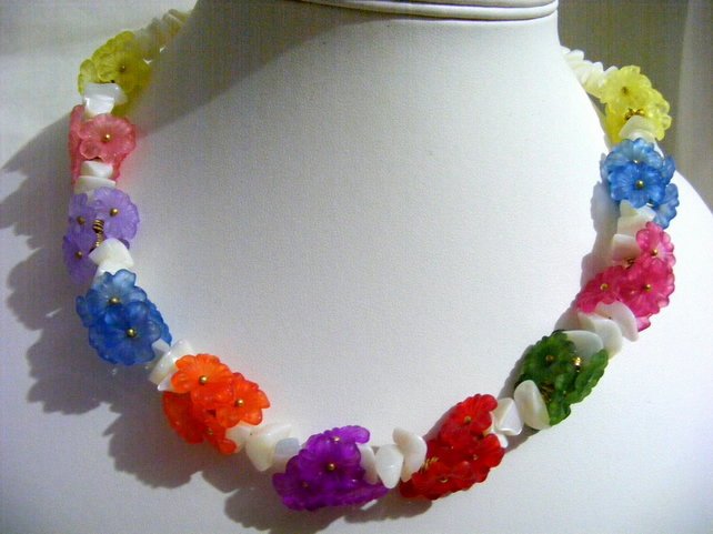 Shell and Flower Necklace