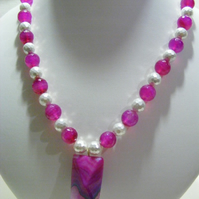 White Shell Pearl and Fuchsia Agate Pendant Necklace