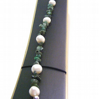 Emerald and Freshwater Cultured Pearl Bracelet