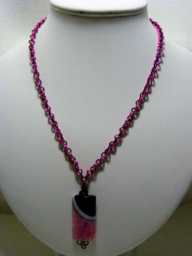 Agate with Quartz Gemstone Chainmaille Necklace