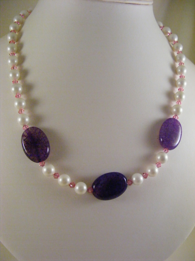 Shell, Crystal and Agate Necklace.