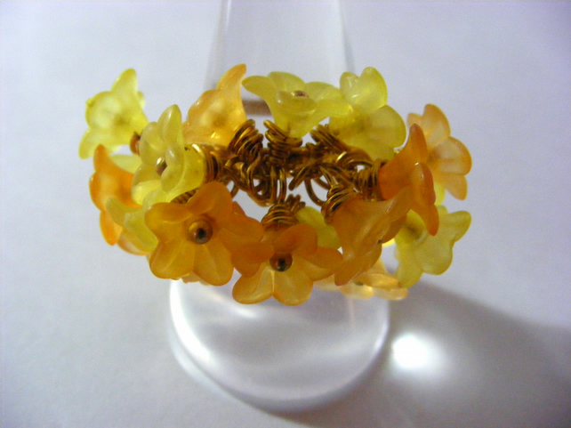 Adjustable Daffodil Cluster Ring.