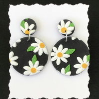 "Handmade Polymer clay ""daisy""  dangly earrings In black and white"