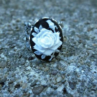 Gothic Cameo Ring - White Rose on Black - Antique SIlver coloured FIligree