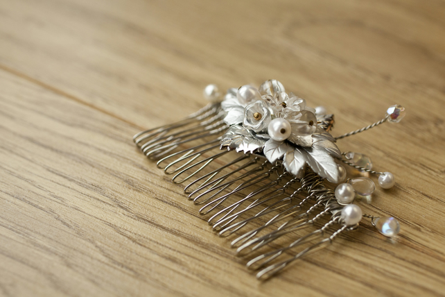 Pearl and Crystal Flower Bridal Wedding Comb Tiara
